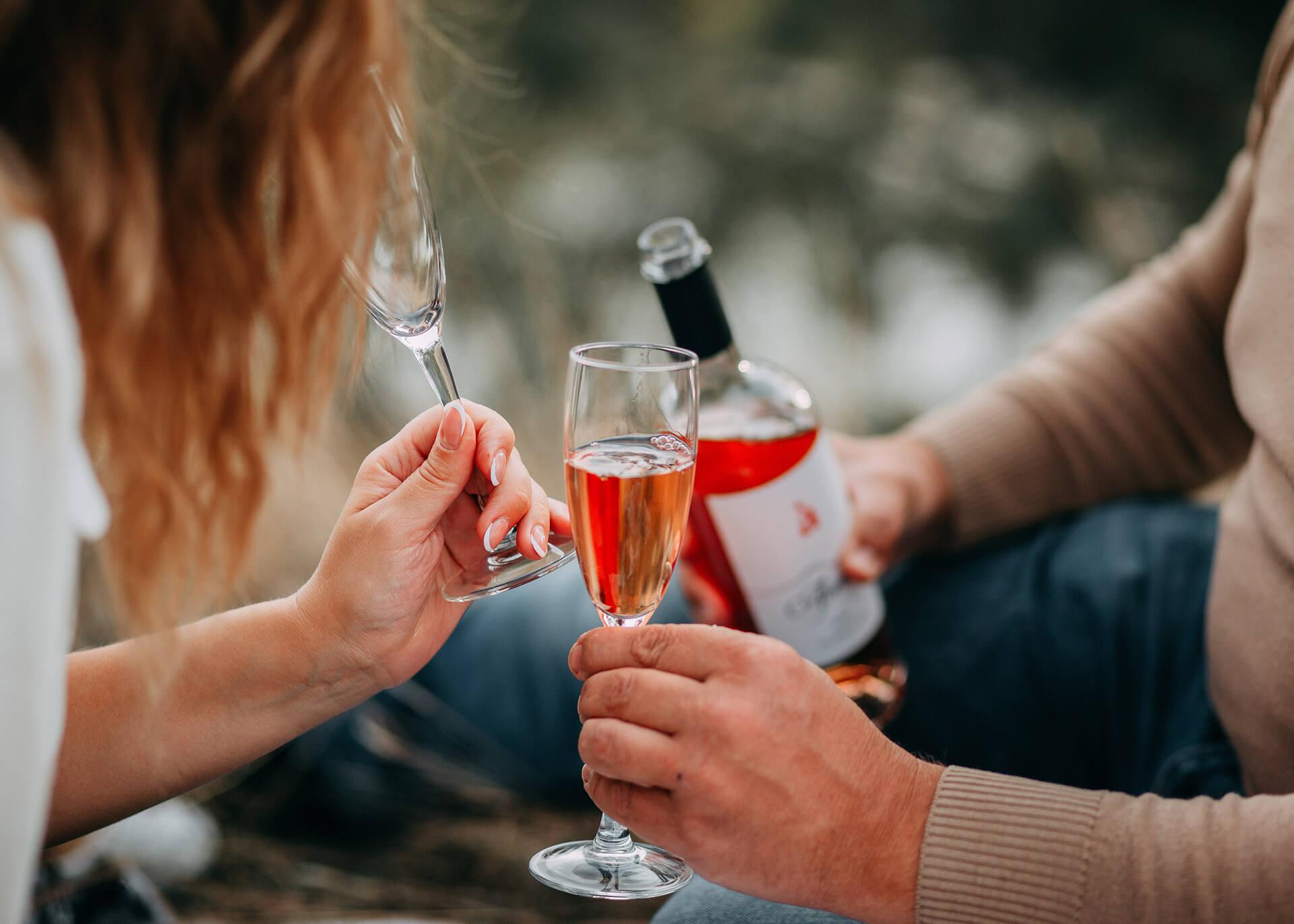 romantic picnic drinks